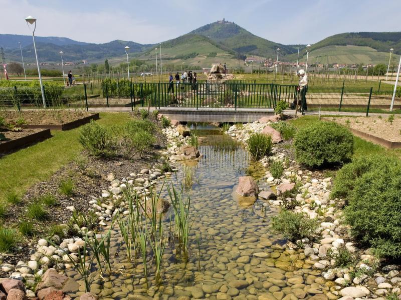 Am nagement urbain scop espaces verts am nagement et for Espace vert urbain